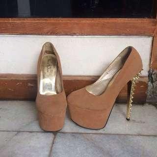 Heels spike / sepatu hak tinggi