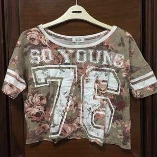 Floral 'SO YOUNG 76' Shirt Bershka