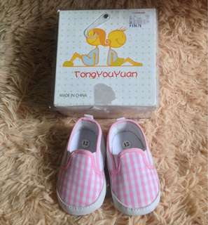 Slip on shoes for baby girl