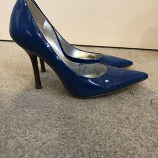 Guess by marciano size 5.5