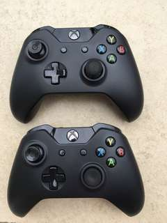 2 XBOX One controllers