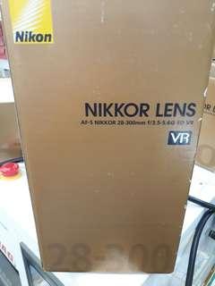 Nikon 28-300mm F3.5- 5.6 AF-S G ED