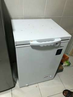 Moving out refrigerator for sell