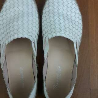 White doll shoes for women's
