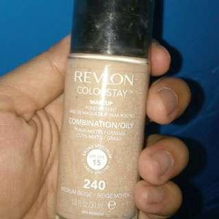 Revlon Liquid Foundation 90%