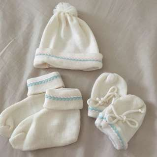 Knitted Mitten, Booties, Topi