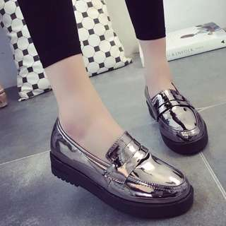 [INSTOCKS] Ladies Silver Flats in Size 38