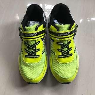 Boys sport shoe 22cm