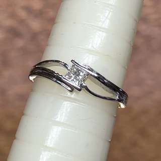 18kt princess cut diamond ring