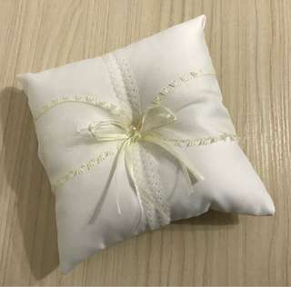 Cream Ring Pillow (Wedding)
