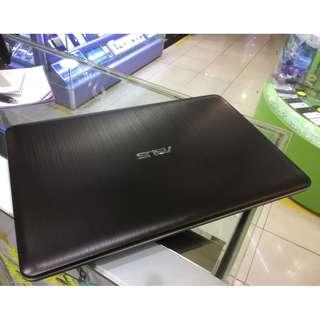 Asus 二手電腦  R541U  15.4吋  Core i5