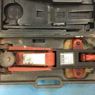 Hydraulic Floor Jack (2 Ton)
