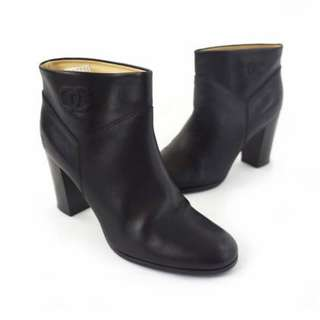 CHANEL Black Calfskin Ankle Boots Classic CC Logo Stack Heel Booties 39.5 with Original Shoe Box