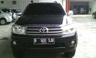 Toyota Fortuner G Dsl AT 2010