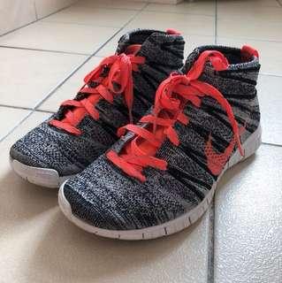 🚚 Nike Flyknit Chukka 二手近全新
