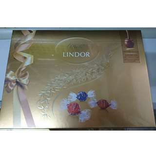 瑞士蓮 精選軟心 朱古力 禮盒 168克 全新未開封 Lindt LINDOR Assorted Swiss chocolates with a smooth melting filling