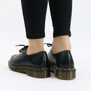 🚚 Dr. Martens 1461 SMOOTH Women Black