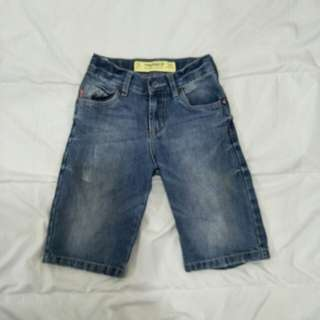 3 quarter kid jeans size 122