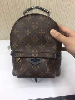 Mini LV backpack !抵!