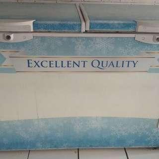 Freezer daimitsu 425 liter