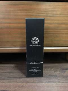 BN Forever Flawless White Diamond Exfoliating and Foaming Cleanser