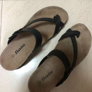 Bata Size 39 Leather Slippers