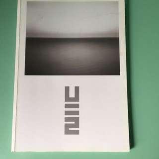 U2 collectors item (No line on the horizon)CD and bio book