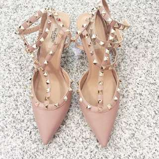 Valentino Rockstud Kitten Heels Poudre Pink