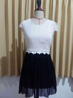 Dress broken white & black