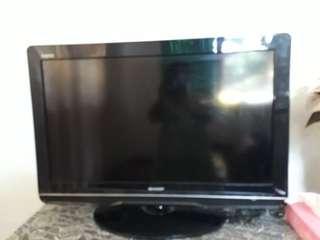 TV 32 inch sharp aquos