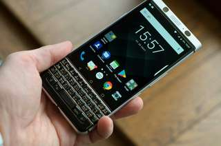 Blackberry Key one Black Resmi 4/64Gb Cash Kredit Tanpa CC