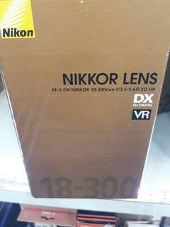 Nikon AF-S 18-300mm F 3.5-5.6G ED VR