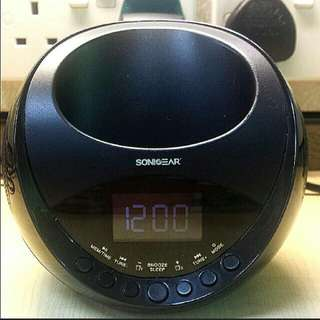 GOOD WORKING CONDITION - Sonic Gear Speaker, Charger, Clock, FM Radio