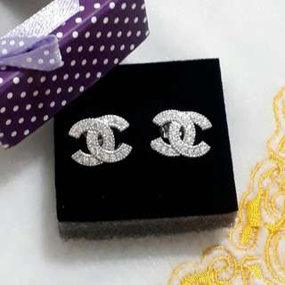 Restock bestseller Chanel silver earrings