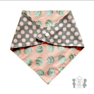 REVERSIBLE 2 LAYERS BANDANA BIB / SCARF BIB / FEEDING BIB / CLOTH BIB CUTE PRINTS (MINT PEACH GREY POLKA DOT MARBLES)