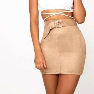 Pretty Little Thing Nude Faux Suede Belted Skirt (BNWT)