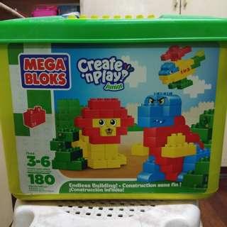 Mega Blocks (create n play)