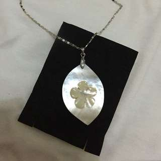 Morher of pearl pendant