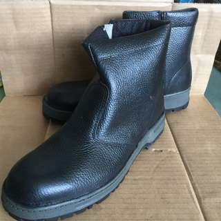 Megasafe Safety Boots - Size UK 6 / EUR 40 (Made in Malaysia)