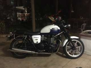 triumph bonneville SE for sale/trade