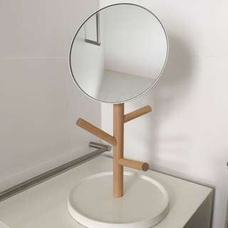 Jewellery stand/Mirror