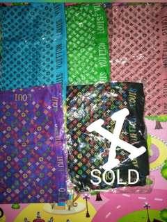 Lv slim shawl