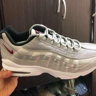 Nike air max95銀彈