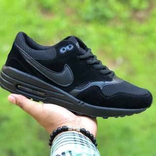 Airmax One All black