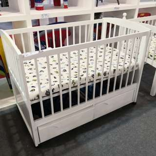 Wooden babycot