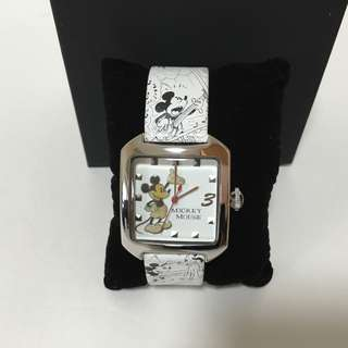 100% new新 – Disney Mickey Mouse Genuine Leather Watch米奇真皮手錶(購自日本廸士尼)