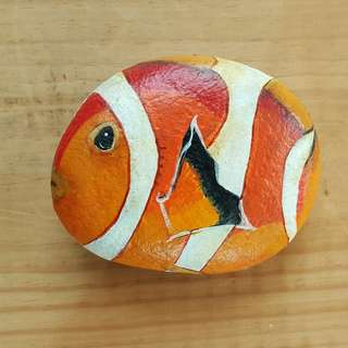 Individually acrylic hand painted beautiful Nemo in beautiful colors on large pebble