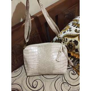 SALE !! FASHION BAG CREAM