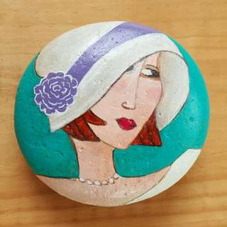 Individually acrylic hand painted on large pebble, Pretty Woman in beautiful colors