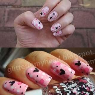 Minnie in the nail Glitter